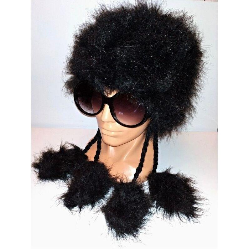 Stilinga juodos spalvos kepurė